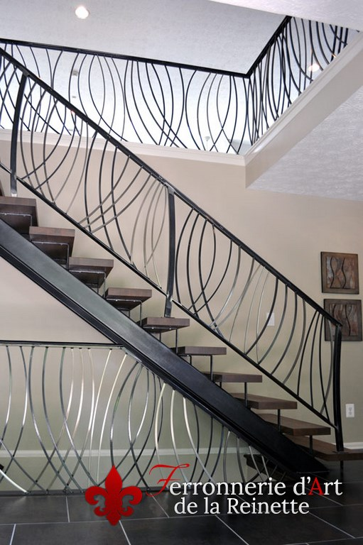 rampe d 39 escalier moderne en fer forg cuers dans le var. Black Bedroom Furniture Sets. Home Design Ideas